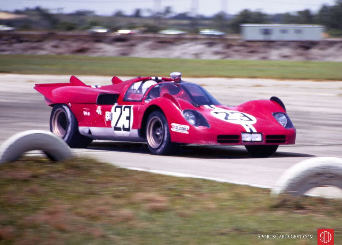NART Ferrari 512S of Sam Posey and Ronnie Bucknum (Photo: Louis Galanos)
