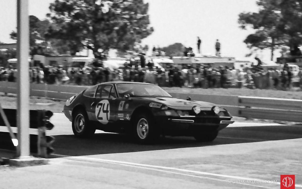 NART Ferrari 365 GTB/4 of Harley Cluxton and Bob Grossman (Photo: Louis Galanos)