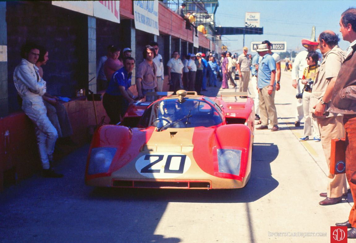 The Young American Racing 512M going out for a practice run (Photo: Gene Bussian)