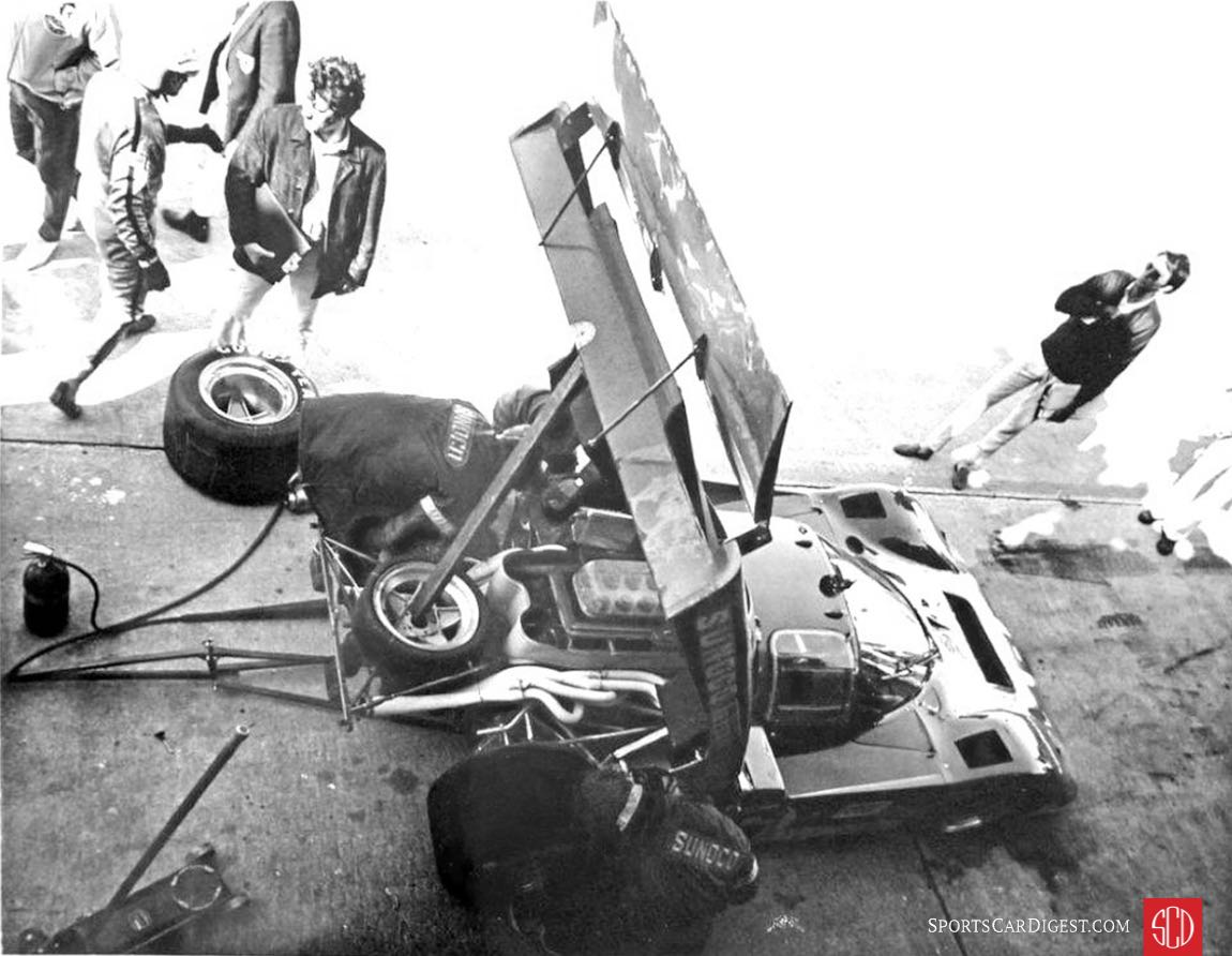 It took almost an hour to get the car repaired after the accident (Photo: Kirk F. White)