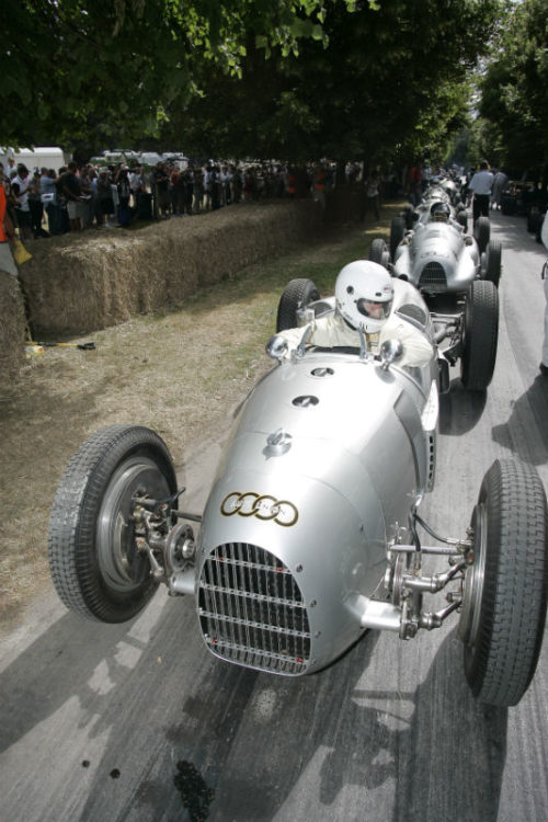 Silver Arrows queing at the start line