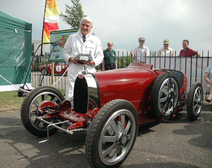 brooklands-double-twelve-trophy-winner-chris-jaques-bugatti-type-35-gp