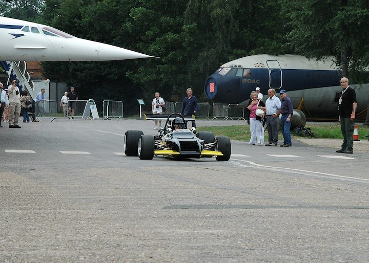 formula-5000-car-with-concorde-in-the-background