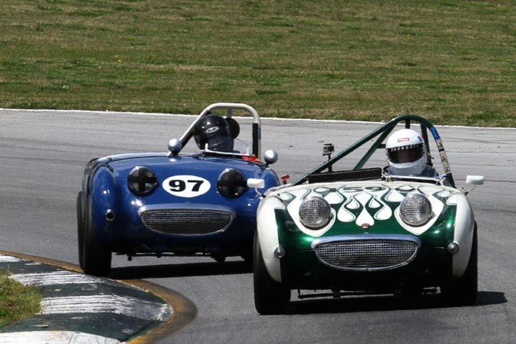 Bonnie Foulds (#59) and Edward Zabisnki racing their Sprites through the daunting turn 12.