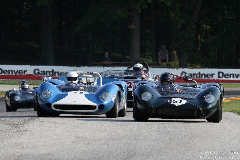 Two Lola T70s.