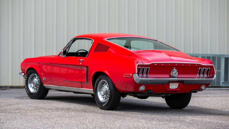 Side Markers on 1968 Ford Mustang