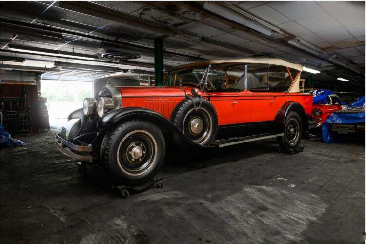 side of 1927 Cadillac 341 -A V-8 Tourer