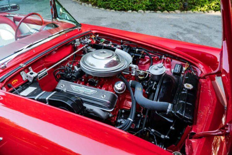 engine of 1955 Ford Thunderbird