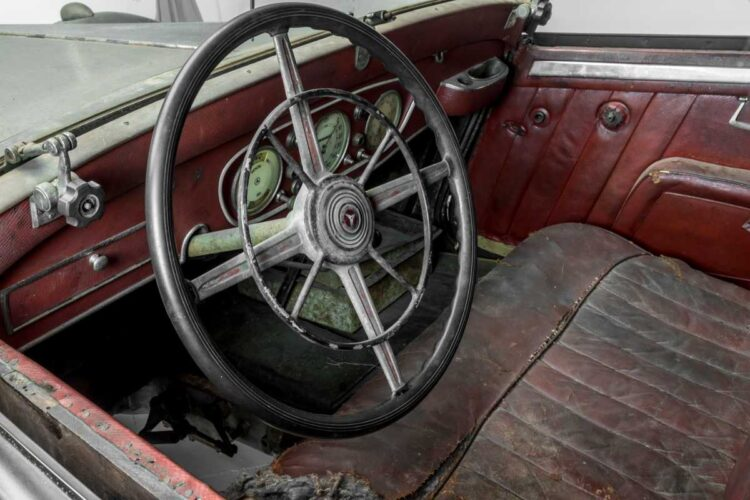 interior of 1935 Mercedes-Benz 290 Cabriolet A