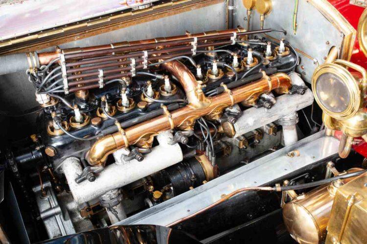 engine of 1911 Rolls-Royce 40/50hp Silver Ghost Tulip-Backed semi open drive Pullman Limousine
