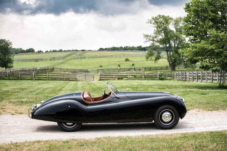 outline of 1950 Jaguar XK 120 Alloy Roadster