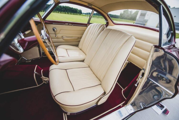 interior of the 1953 Fiat 8V Supersonic by Ghia