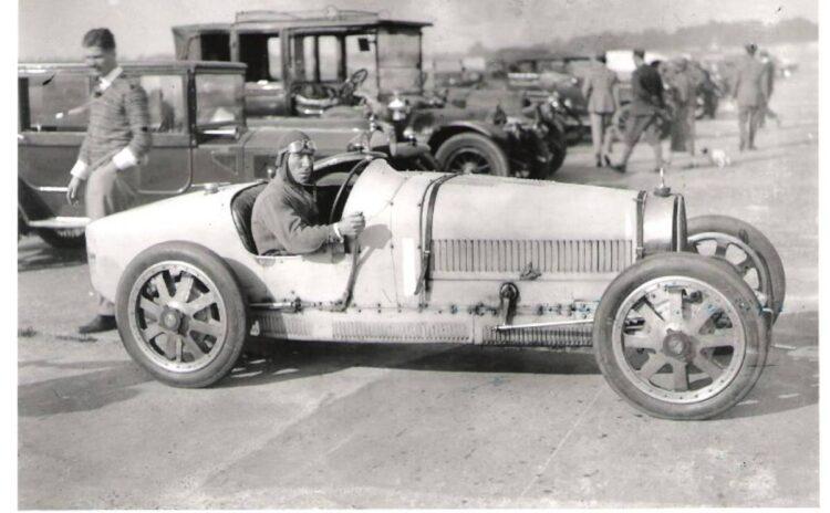 George Duller in the Bugatti Type 35 Grand Prix