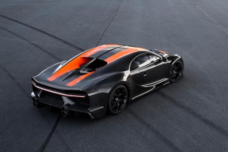 Birdseye view of Bugatti Chiron Super Sport 300+