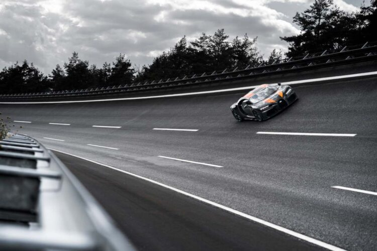 Bugatti Chiron Super Sport 300+ racing on Ehra-Lessien track