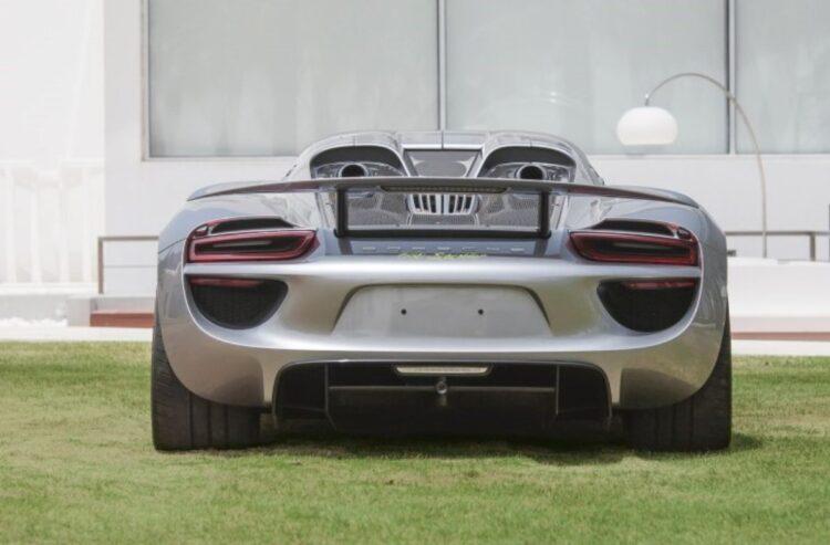 wing of 918 Porsche Spyder