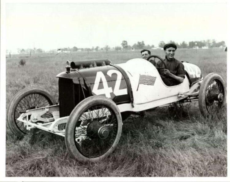 Eddie Rickenbacker wins Indy 500