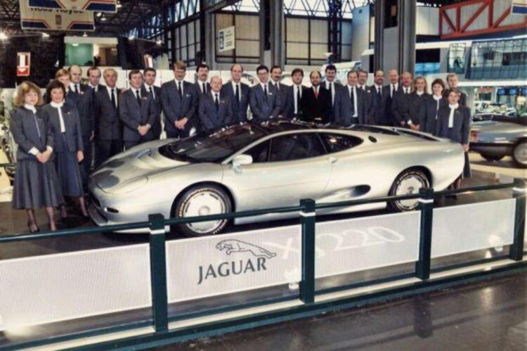 Jaguar xj220 concept car