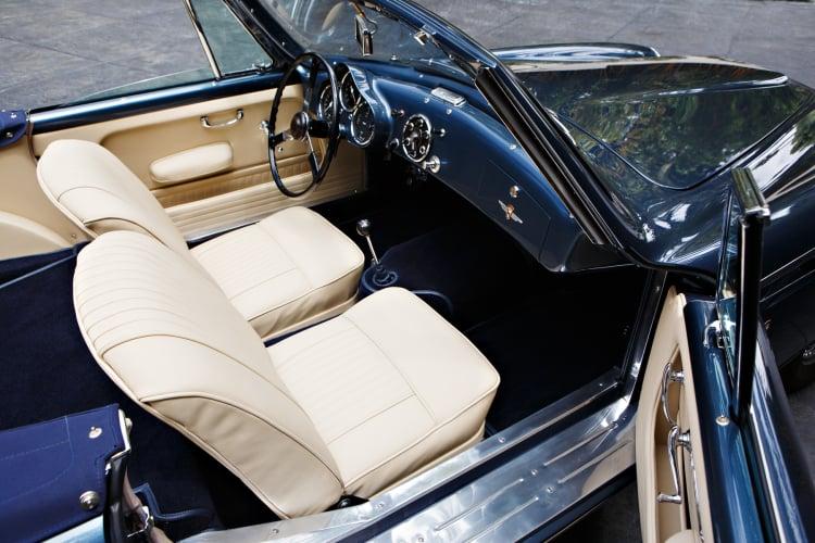 Aston Martin DB2/4 Drophead Coupe interior