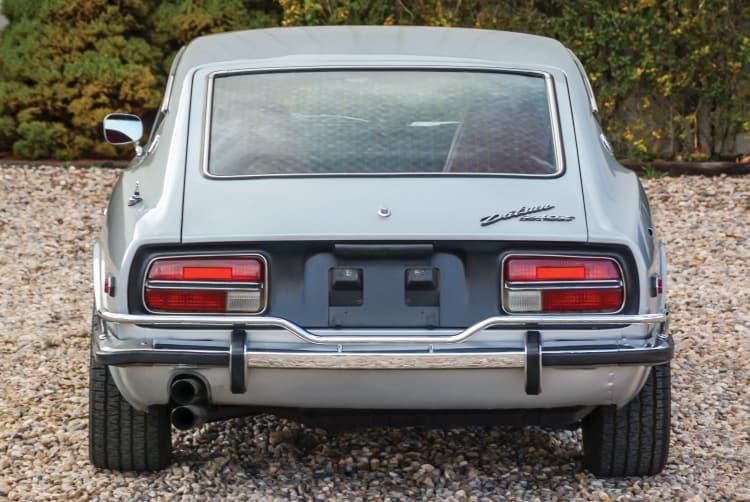 no rear vents present