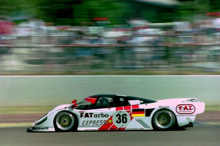 racing the porsche 962