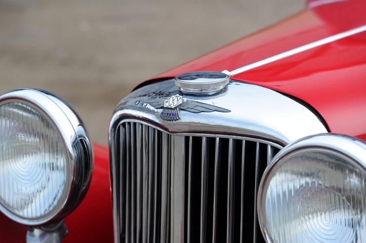1937 Jaguar SS 2.5-Litre Sports Saloon bonnet
