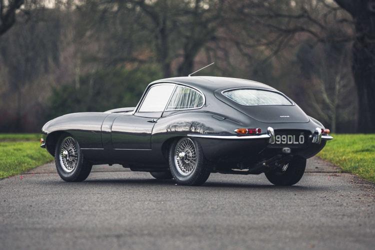 rear of 1961 Jaguar E-Type Series 1 Flat Floor
