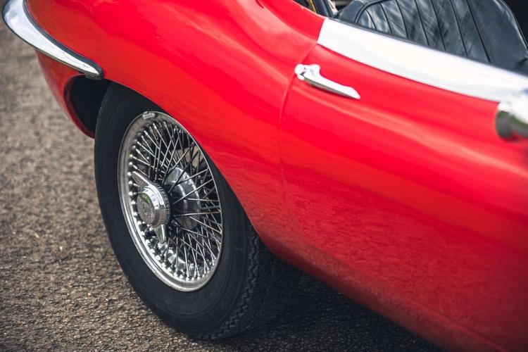 wheel of 1965 Jaguar E-Type Roadster 4.2 Series 1