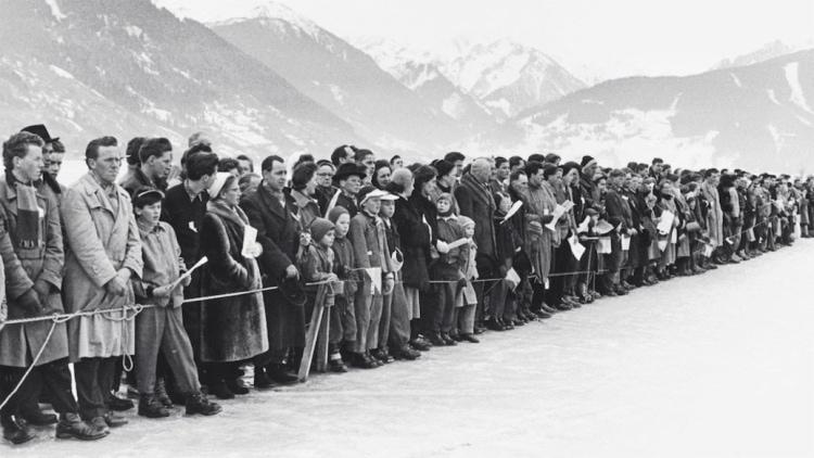 Spectators at GP Ice Race