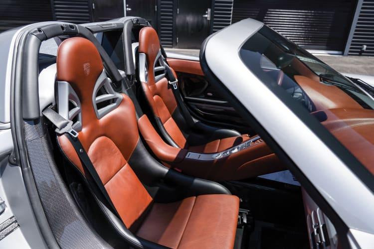 seats of Porsche Carrera GT