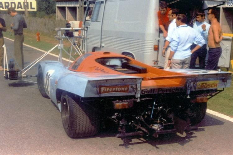 Porsche on Set