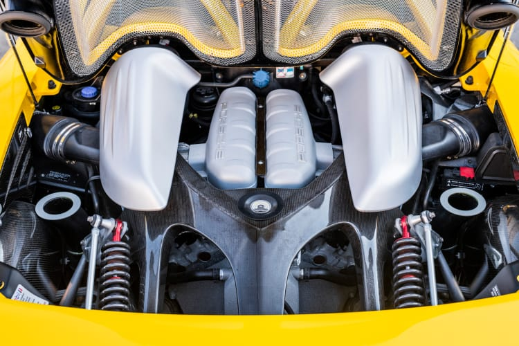 engine of 2005 Porsche Carrera GT