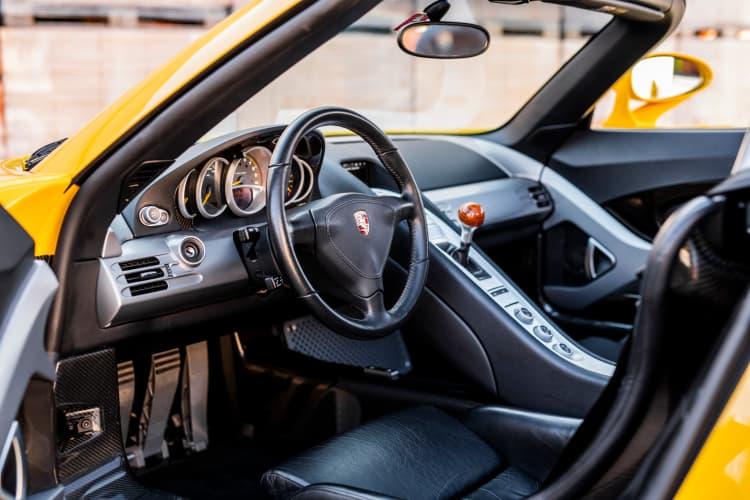 interior of 2005 Porsche Carrera GT