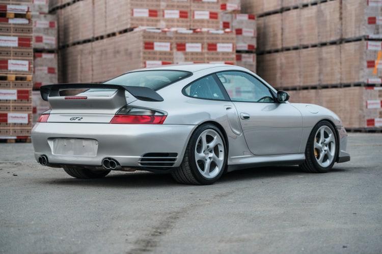 rear of 911 996 GT2