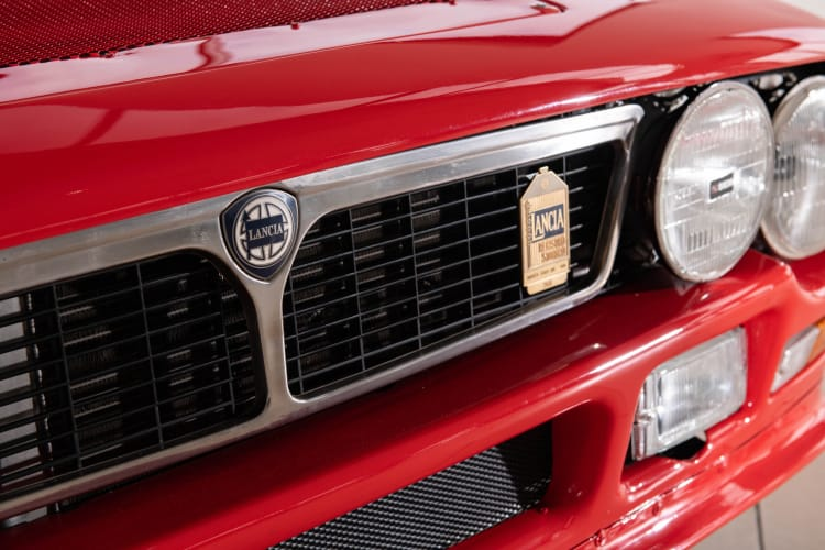 grille of Lancia