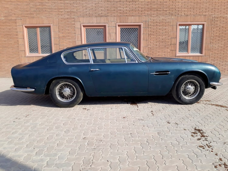 side of 1970 Aston Martin DB6 Mk 2 Vantage