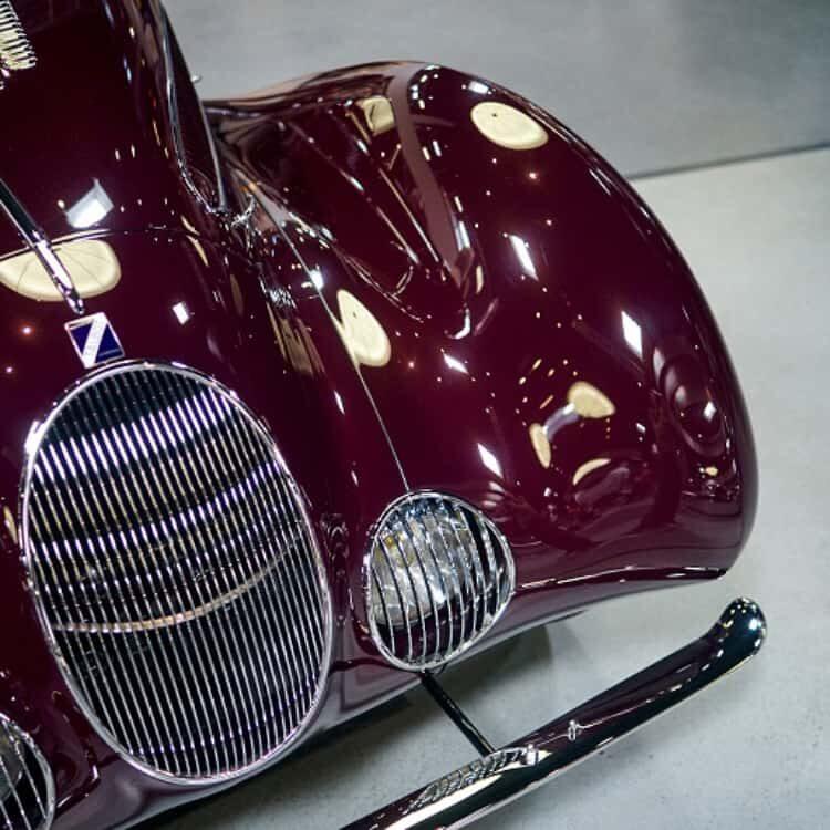 grille of 1937 Talbot-Lago Type 150-C SS