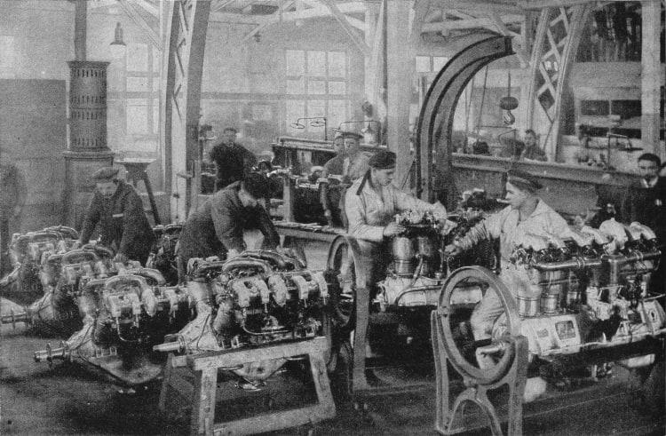 Workers and Austrian marines at the Rapp-Motorenwerke in Munich