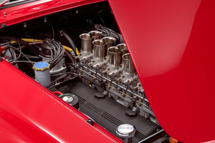 Colombo V-12 engine