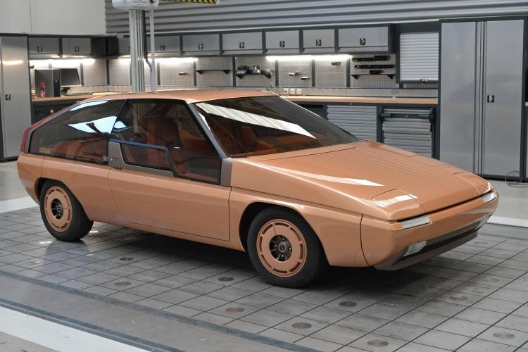 Mazda MX 81
