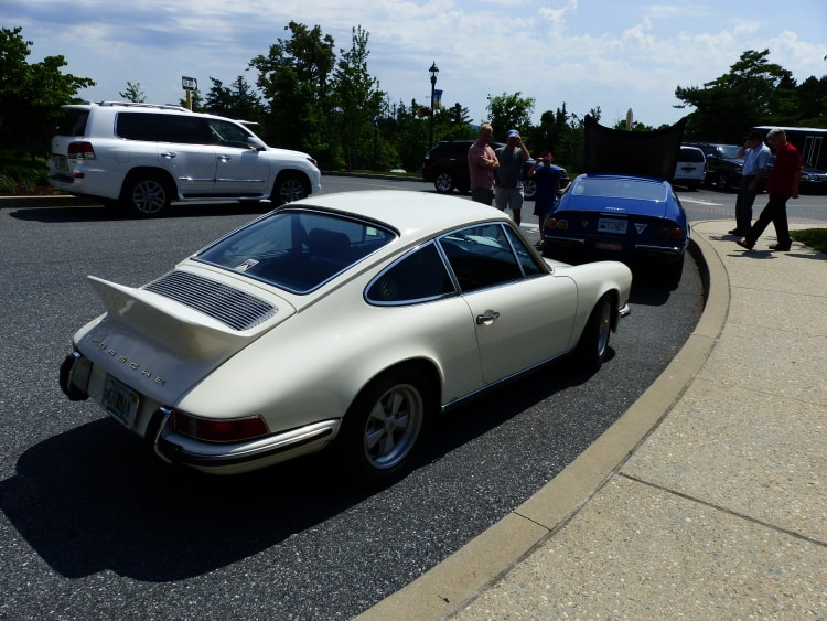 Warner 911 parked behind Gurney-Yates Cannonball