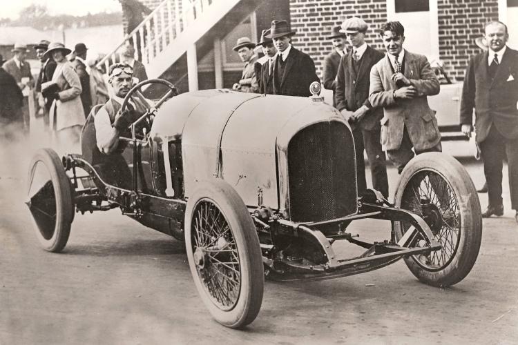 Bentley EXP2
