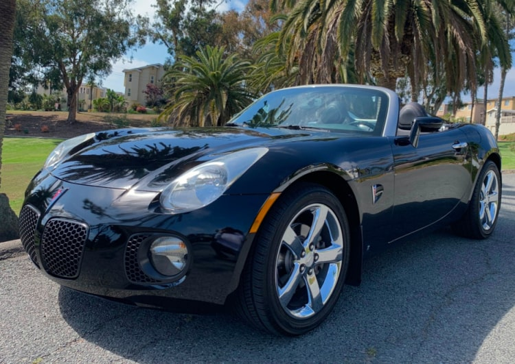 Number 3 Best Sports Cars Under 10K is the Pontiac Solstice GXP