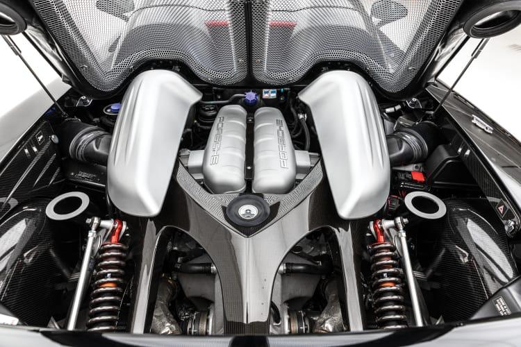 engine of Porsche Carrera GT