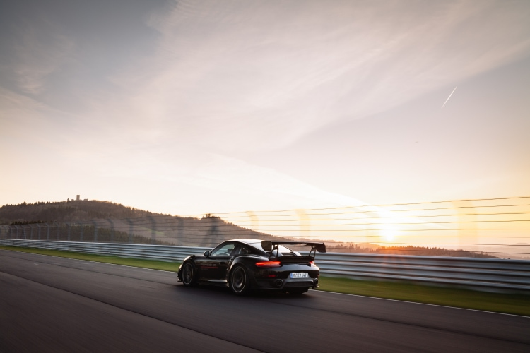 Porsche 911 GT2 RS equipped with the Manthey Performance Kit breaks record