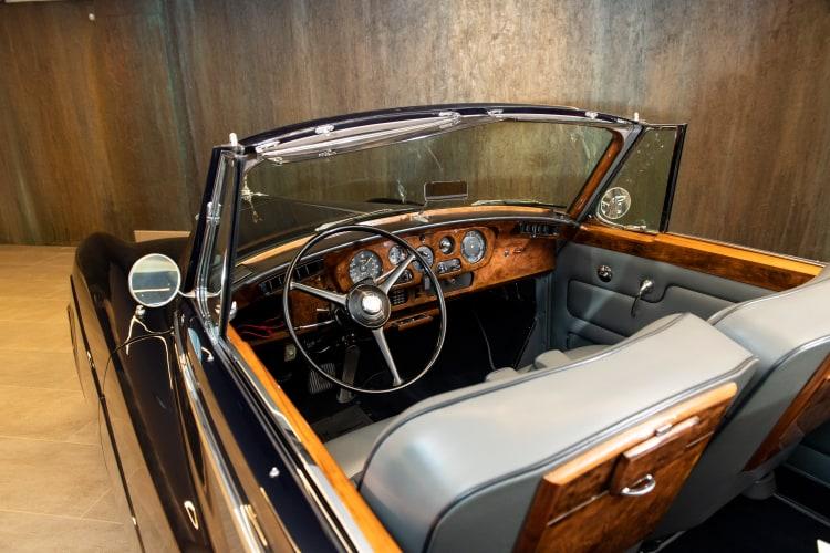 inside 1963 Rolls-Royce Silver Cloud III Drophead