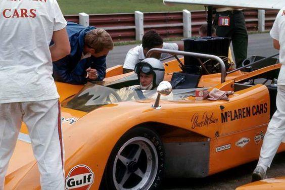 McLaren M8B