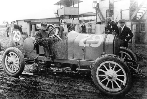 Bruce-Brown at the 1911 American Grand Prize in a 14.1-liter  Fiat