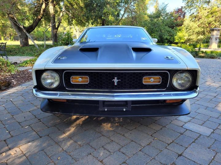 1971 Ford Boss 351 Coupe front