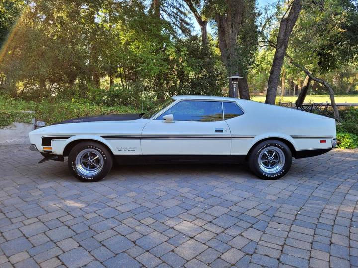 1971 Ford Boss 351 Coupe left